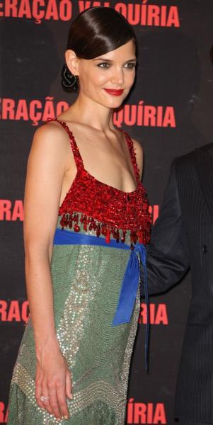 Katie Holmes: Real or Wax?!