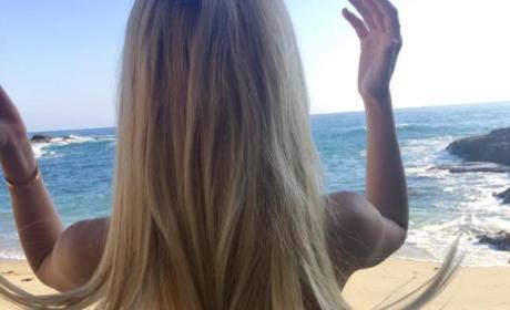 Ava Sambora: Look at My Butt!