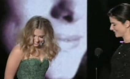 Sandra Bullock-Scarlett Johansson Kiss Etches Place in MTV Movie Awards History