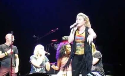 "Kelly Clarkson Don't Want ""No Scrubs"""