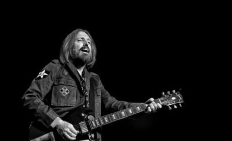 "Tom Petty 911 Call Released: ""My Husband Isn't Breathing"""