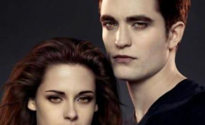 Robert Pattinson and Kristen Stewart Pose in Promotion of Breaking Dawn