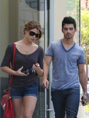 Joe Jonas and Ashley Greene