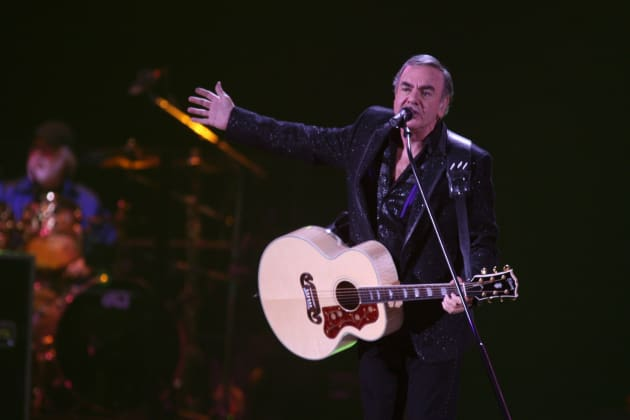 Williams Auto Group >> Neil Diamond in Concert - The Hollywood Gossip