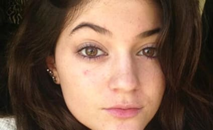 Kylie Jenner: Makeup Free and Fresh!