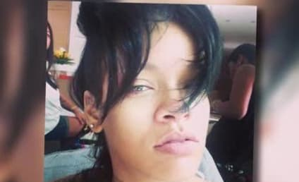 Rihanna No Makeup Selfie: All-Natural and Flawless