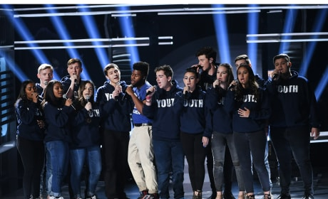 "Shawn Mendes Performs ""Youth"" With Marjory Stoneman Douglas Choir"