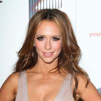 Jennifer Love Hewitt, Cleavage