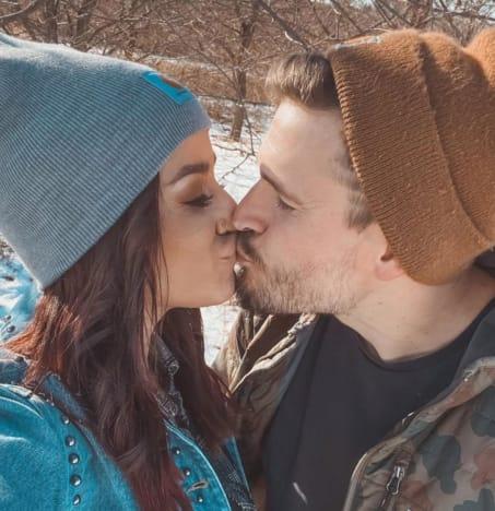 Chelsea Houska Kisses Cole