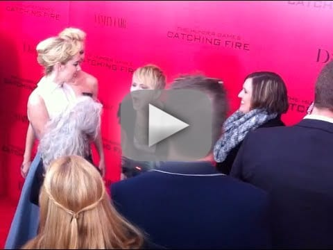 She pretends to have red carpet meltdowns