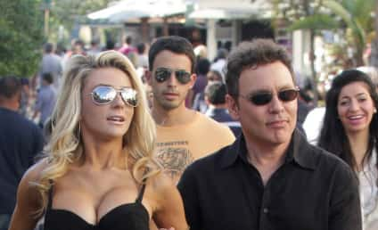 Courtney Stodden Strolls Around Los Angeles, Scars Young Child for Life