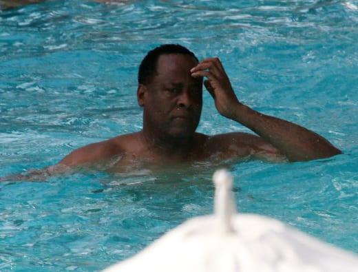 Dr. Conrad Murray Gets Wet