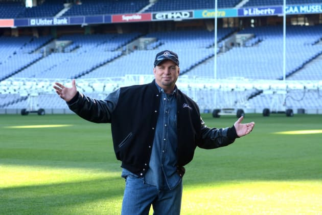 Garth Brooks in a Stadium