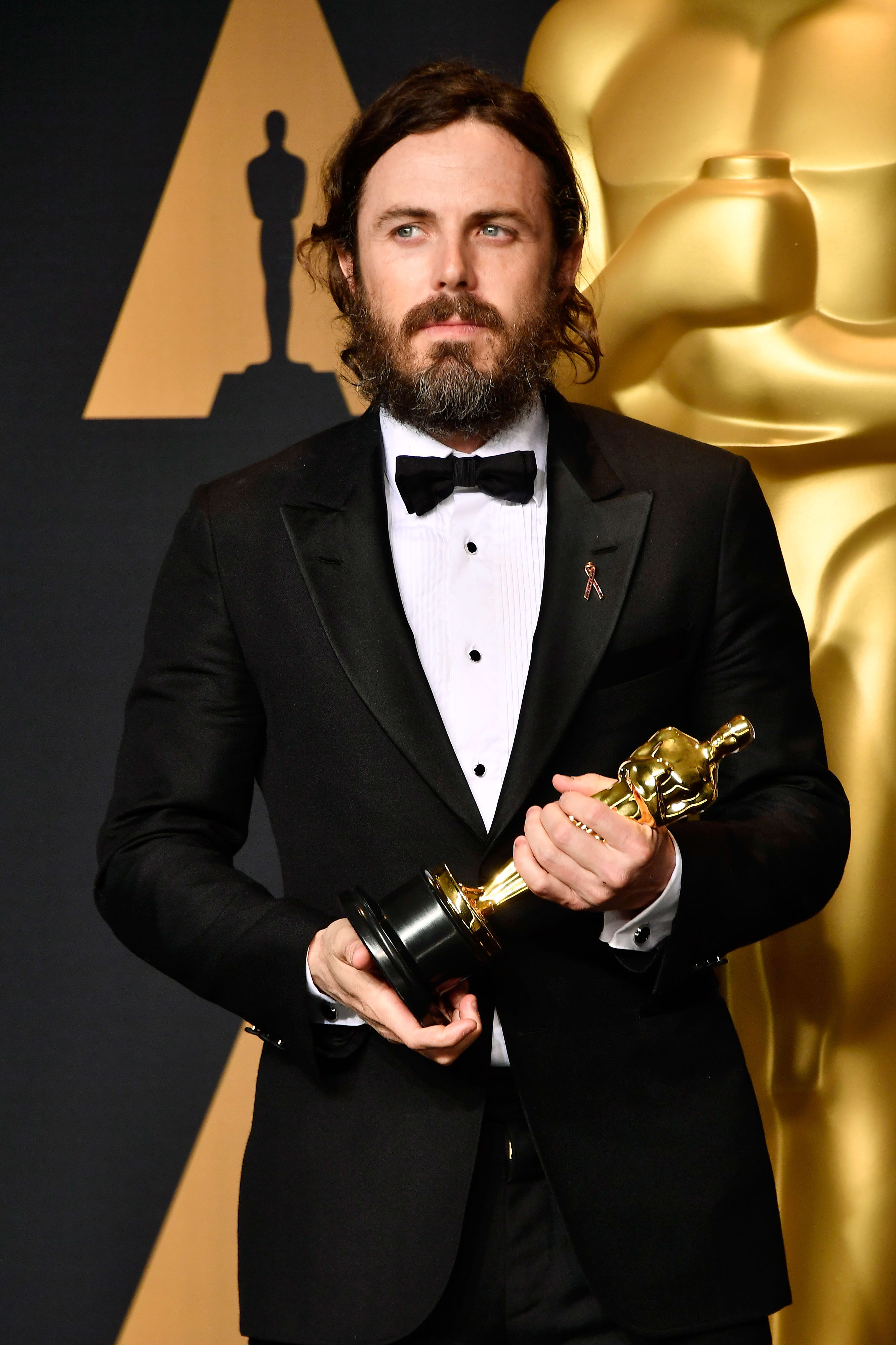 Casey Affleck Oscar Win Slammed By Brie Larson Twitter The Hollywood Gossip,Beauty And The Beast Location In France