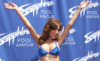 "Farrah Abraham: Kicked Out of Rehab For Being ""Disruptive Influence,"" Taking Pics of Tan Mom"