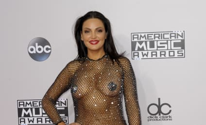 Bleona Qereti: Nearly Nude at the American Music Awards!
