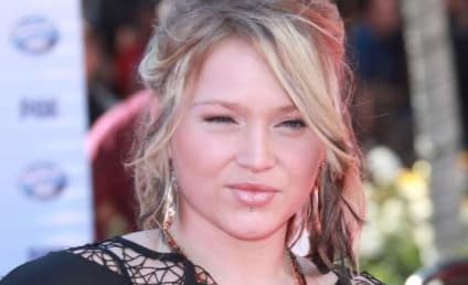 Double Whammy: Crystal Bowersox, Boyfriend Broke Up Prior to American Idol Finale