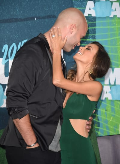 Mike Caussin and Jana Kramer in 2015
