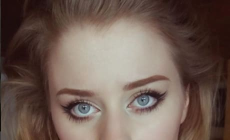 Ellinor Hellborg: Adele's Secret Twin?