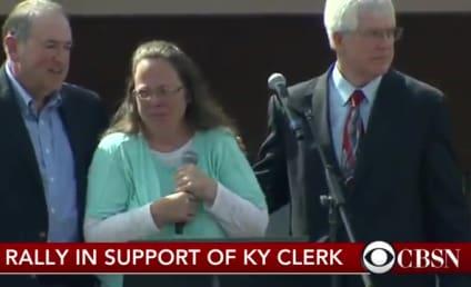 """Kim Davis Leaves Jail, Ruins """"Eye of the Tiger"""" Forever"""