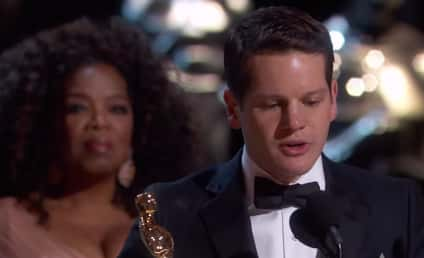 """Graham Moore Admits to Suicide Attempt in Oscars Acceptance Speech, Encourages Folks to """"Stay Weird"""""""