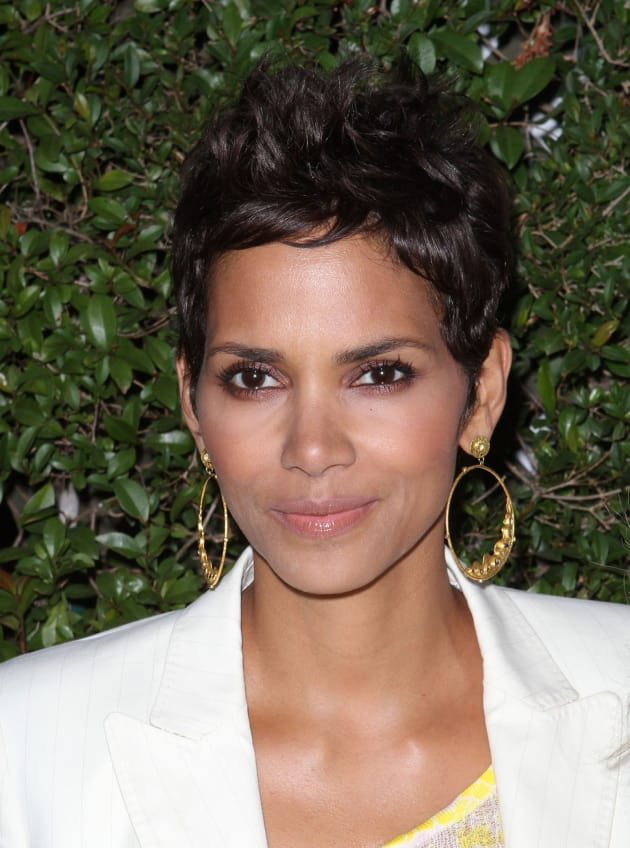 Halle Berry Close Up
