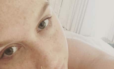 Kesha in makeup-free selfie