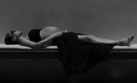 Victoria Beckham Pregnant Pic