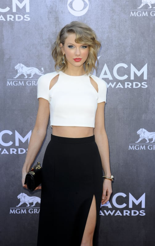 Taylor Swift at the 2014 ACMs