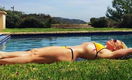 Britney Spears Posts Insane Bikini Photo: Hot or Photoshopped?