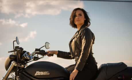 Demi Lovato Rides!