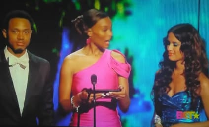 Awkward Alert: Drake Accepts BET Award Meant For Chris Brown on Rihanna's Behalf