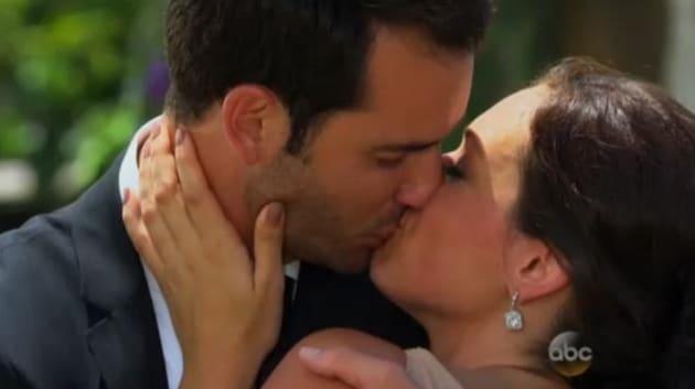 Chris Siegfried and Desiree Hartsock Kiss