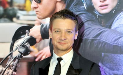 "Jeremy Renner Refers to Kardashians as ""Ridiculous, Stupid People"""