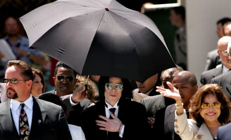 Michael Jackson Leaves Courthouse After Not Guilty Verdice On Child Molestation Allegations