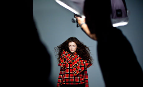 Lorde Behind the Scenes Pic