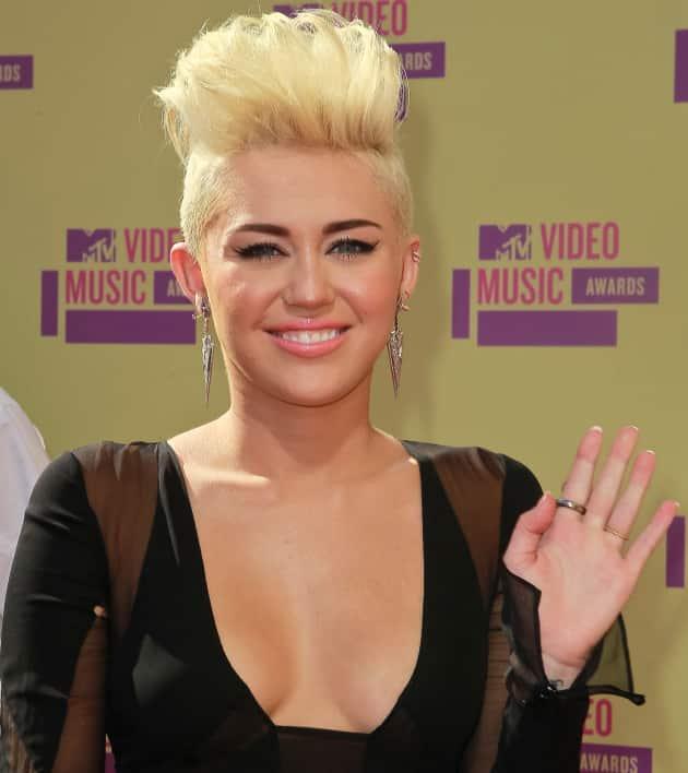Miley Cyrus New Hair Pic