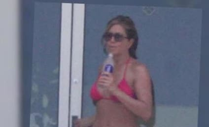 Jennifer Aniston Bikini Photos: Heating Up Cabo!