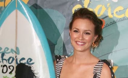 Teen Choice Awards Fashion Face-Off: Leighton Meester vs. Emma Roberts