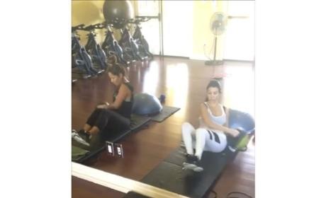Kourtney Kardashian Works Out