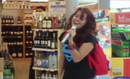 "Zendee Rose, Random Girl, Sings ""I Will Always Love You"" at Mall Karaoke Machine, FLOORS Crowd"