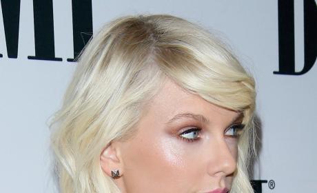 Taylor Swift Glares