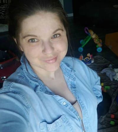 Amy Duggar with a Selfie