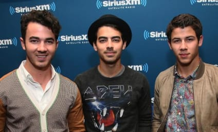"The Jonas Brothers Pen Letter, Thank ""Best Fans in the World"""