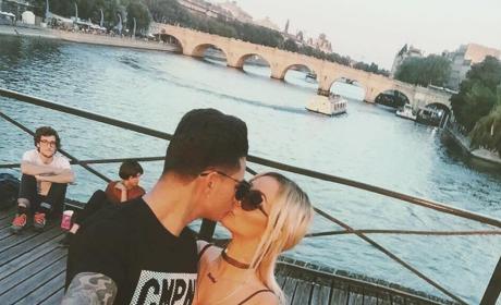 Pauly D. Aubrey O'Day Selfie Stick Kiss Paris