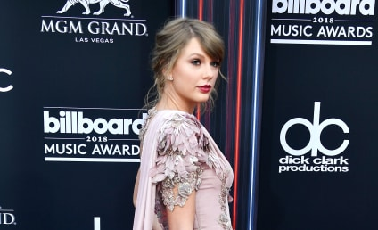 Billboard Music Awards: ALL the Red Carpet Fashion!