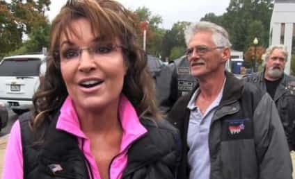 "Sarah Palin Slams Congress For Using Veterans as ""Pawns,"" Poses With Veterans"