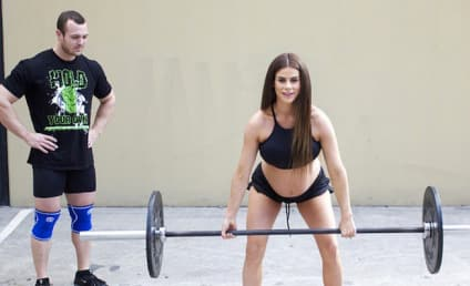 Pregnant Woman Defends Weight Lifting Against Critics: Read Her Statement