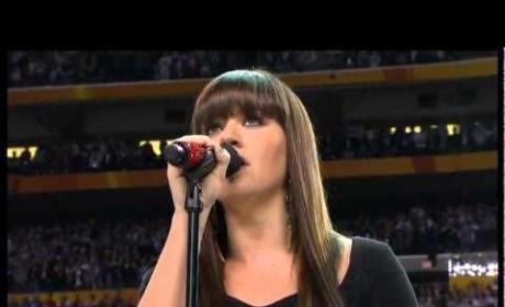 Kelly Clarkson National Anthem (Super Bowl)