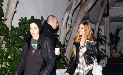 Desperate Lindsay Lohan Turning to Women